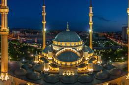 بوتين : نمتلك أكبر واجمل مسجد في العالم !