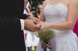 داعية سعودي يكشف عن حكم من يتزوج فتاة بنية الطلاق