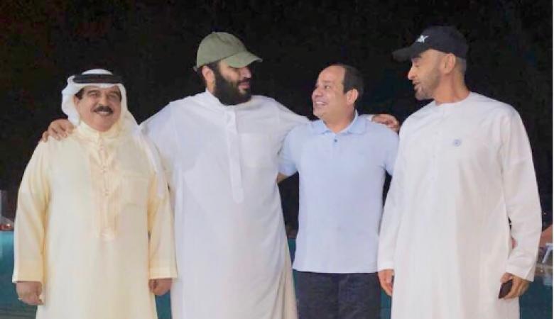 """مسؤول سعودي يكشف عن """"لقاء ودي"""" قبل أيام لقادة الدول المقاطعة للدوحة"""