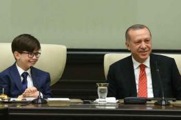 اردوغان يتنحى عن رئاسة الدولة التركية لصالح طفل