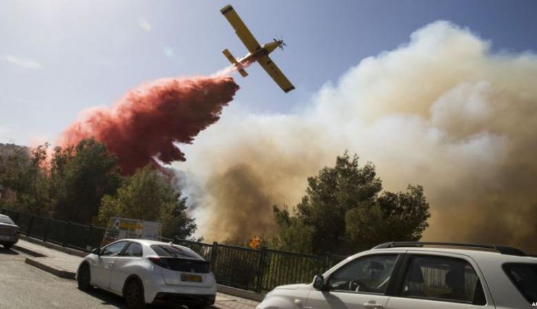 """قبرص ترسل طائرة إطفاء لإخماد """"حرائق إسرائيل"""""""