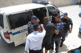 الشرطة وبمساندة الامن الوطني تقبض على مطلوبين خطيرين في نابلس
