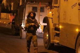 الاحتلال يعتقل 18 مواطنا من الضفة الغربية فجر اليوم