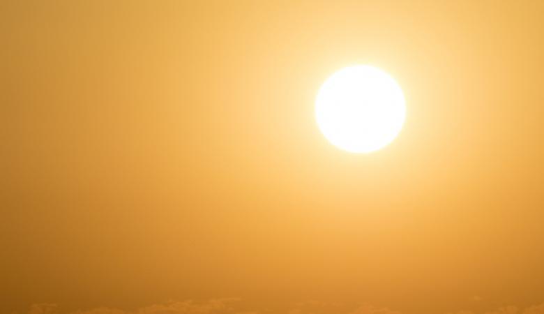 حالة الطقس : اجواء حارة ودرجات الحرارة اعلى من معدلها السنوي