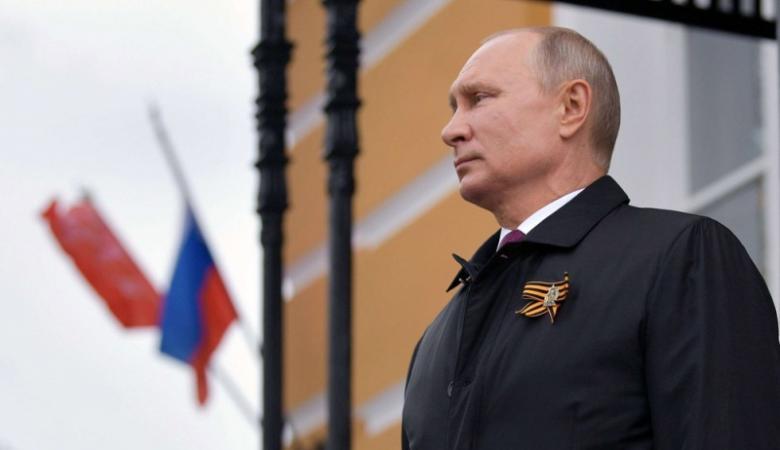لتمديد ولايته.. بوتين ينظّم عرضاُ عسكريًا قبيل استفتاء شعبي