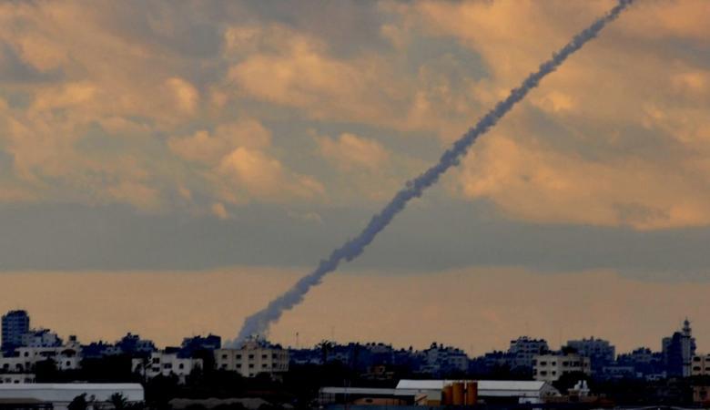 جيش الاحتلال يزعم اطلاق صاروخ من قطاع غزة