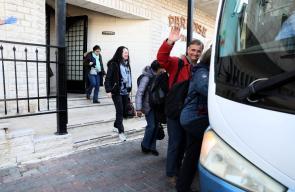 السياح يغادرون مدينة بيت لحم في اطار مساعي الحكومة للحد من انتشار