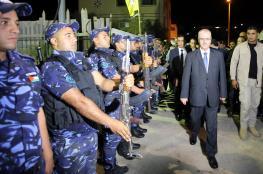 رئيس الوزراء يجتمع بقادة الأجهزة الامنية في نابلس ويتوعد الخارجين عن القانون