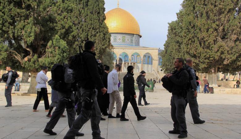 90 مستوطنا اقتحموا المسجد الاقصى