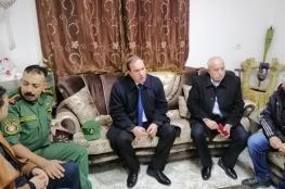محافظة سلفيت تقدم مبلغ 75 الف شيقل لمساعدة شاب مصاب