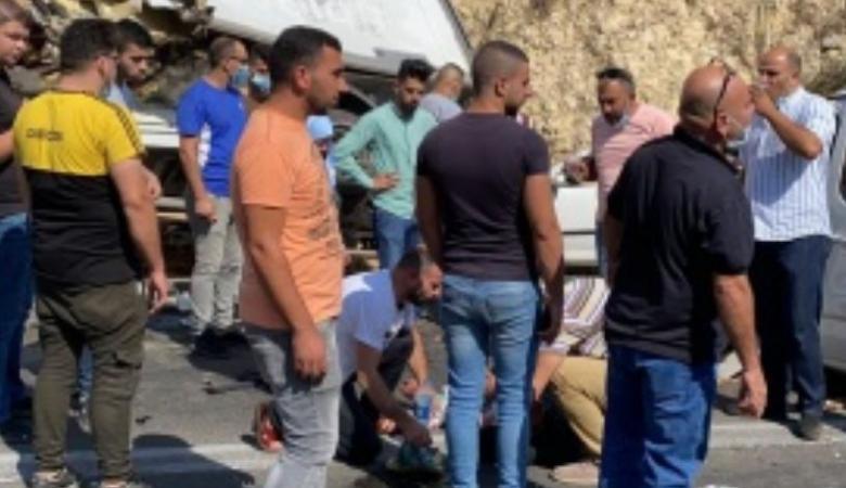 اصابة 3 مواطنين بحادث سير شمال الخليل