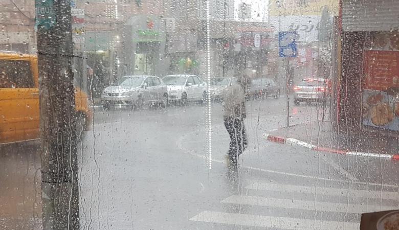 حالة الطقس : أجواء ماطرة وباردة حتى السبت