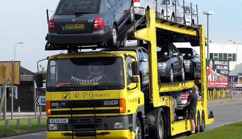 اتفاق على رفع نسب جمارك السيارات المستعملة