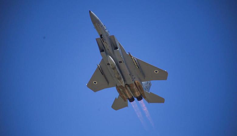 الطيران الاسرائيلي يدمر مضادات سورية قرب دمشق في حدث غير مسبوق