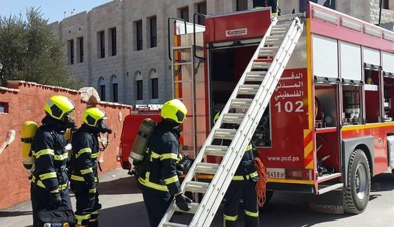 النيران تلتهم منزلا في جنين وتصيب فتاتين بالاختناق