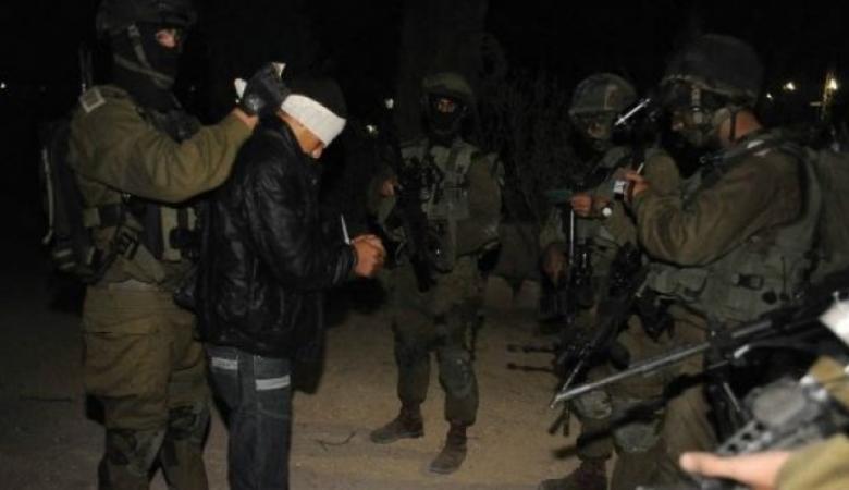 جيش الاحتلال يعتقل شابا من مخيم جنين على حاجز عسكري