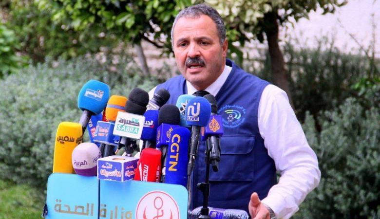 وزير الصحة التونسي يبكي أثناء تحذير مواطنيه من تفشي كورونا