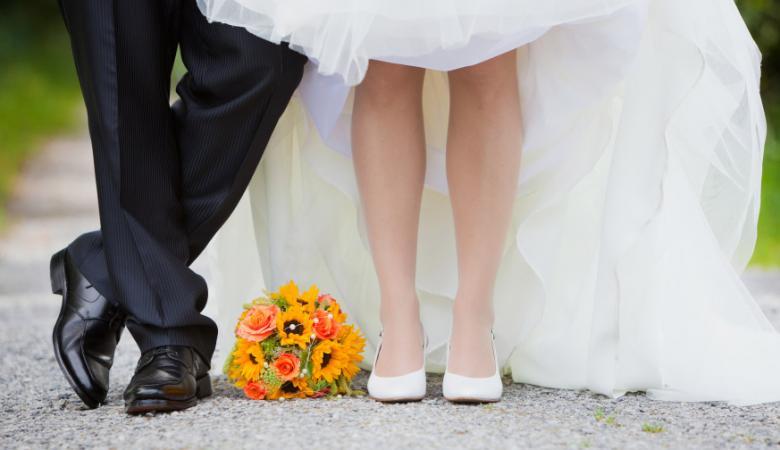 20 دقيقة كوافير أنقذتهما.. تفاصيل نجاة عروسين من الموت ومصرع المعازيم
