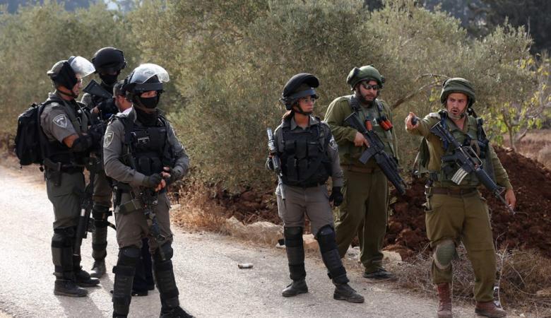 3 اصابات بينها حرجة في مواجهات مشتعلة مع الاحتلال جنوب نابلس