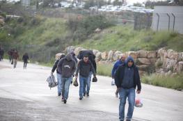 السماح بدخول العمال ومنعهم من العودة الى الضفة لأسابيع