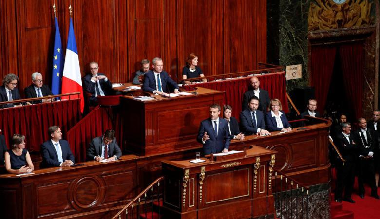 البرلمان الفرنسي يتبنى عريضة تدعو للمساواة بين معاداة الصهيونية والسامية
