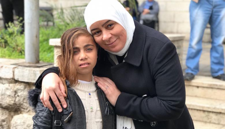 """محافظة رام الله تتابع علاج الطفلة """"العطار """" من غزة وتؤكد انها ابنة"""