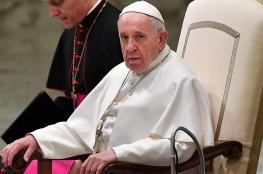 بابا الفاتيكان يدعو الحلاقين الى وقف النميمة والثرثرة خلال ممارستهم مهنتهم