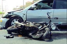 جروح خطيرة لشابين كانا يركبان دراجة نارية اصطدمت بمركبة في جنين