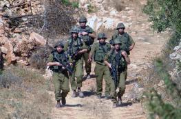 الاحتلال يجبر المزراعين على مغادرة اراضيهم شرق بيت لحم
