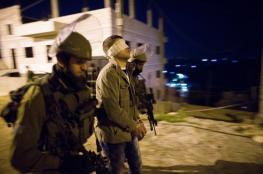 الاحتلال يشن حملة اعتقالات ليلية بالضفة الغربية