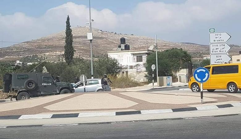 الاحتلال يغلق جميع مداخل مدينة نابلس واعتداءات واسعة للمستوطنين