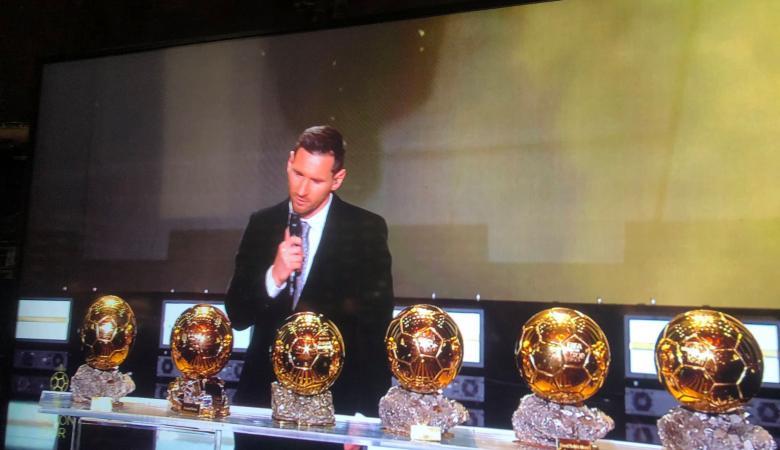 ميسي العالمي يحصد الكرة الذهبية للمرة السادسة