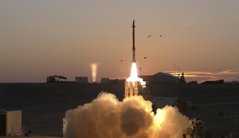 اسرائيل تعزز من دفاعاتها وتنشر المزيد من القبة الحديدية