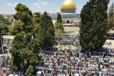 ١٥٠ الف مصل ادوا صلاة الجمعة اليتيمة في الاقصى