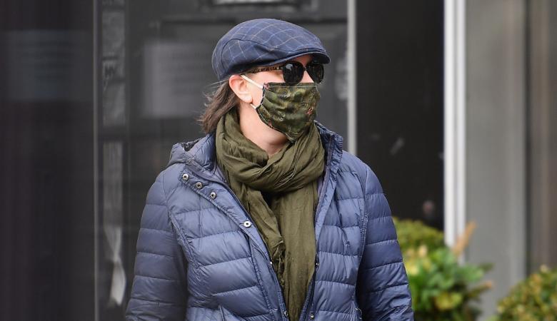 خبراء يدعون لارتداء الكمامة حتى داخل المنزل للوقاية من كورونا