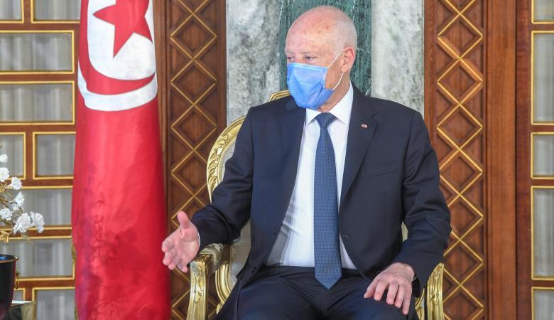 تونس تعلن إعادة فتح المساجد والمطاعم والمقاهي