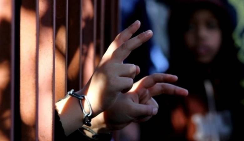 """محكمتا الاحتلال في """"عوفر"""" و """"سالم"""" تمددان توقيف 46 أسيرا"""