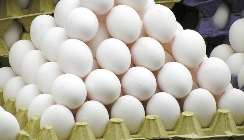 """القبض على مواطن حاول تهريب الآلاف من اطباق البيض الى """"معاليه ادوميم """""""