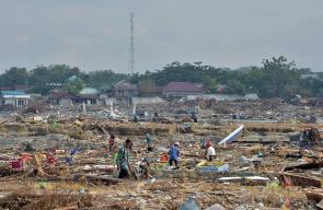 تسونامي اندونيسيا يخلف أكثر من 1500 قتيل