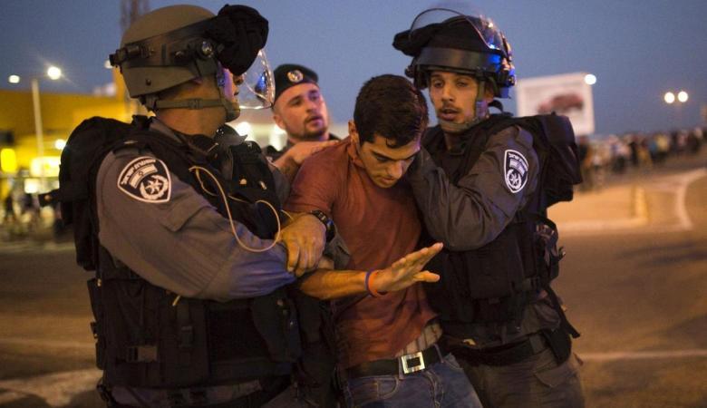 الاحتلال يعتقل 4 مواطنين من الضفة الغربية فجر اليوم