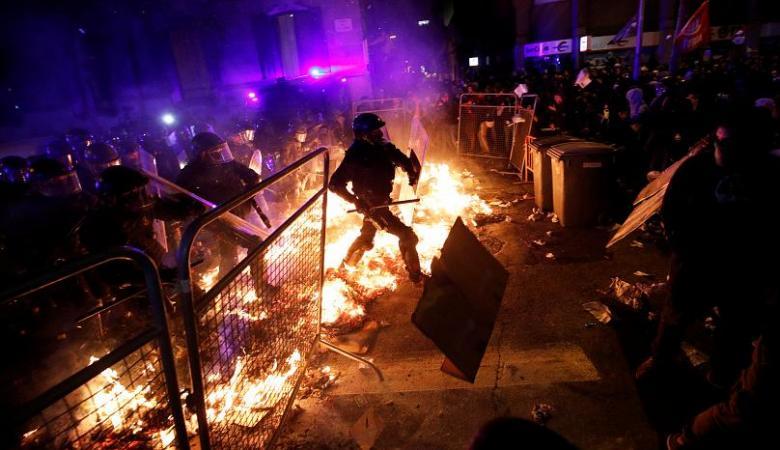 بعد ليلة من الغضب ....برشلونة على اعتاب انتفاضة عارمة ضد مدريد