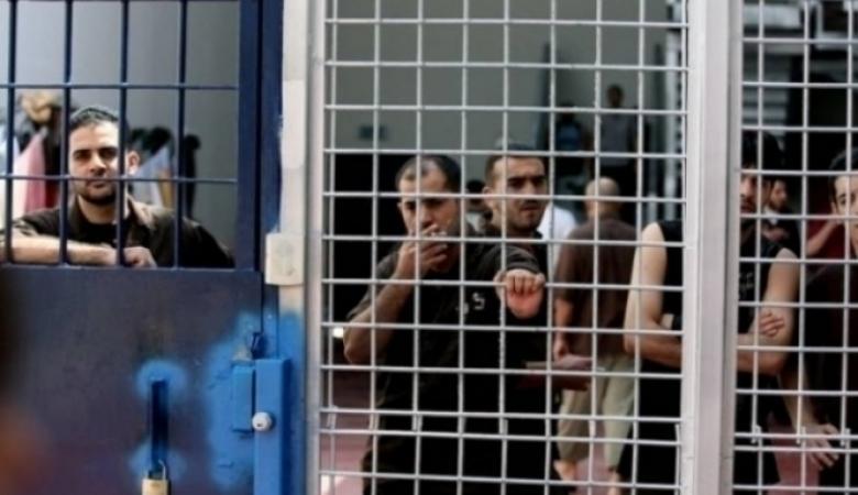 الاحتلال يواصل إهمال صحة الأسيرين أبو سلامة والحتاوي