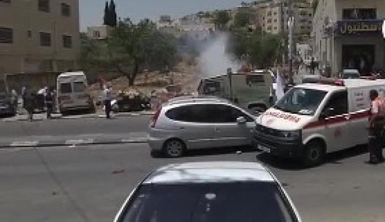 الاحتلال يعتقل مسعف ويصادر سيارة اسعاف بنابلس