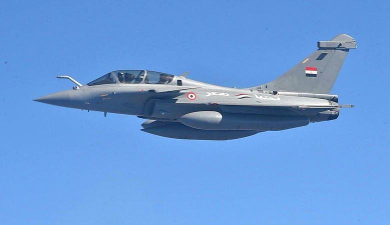 تحطم طائرة عسكرية مصرية ومصرع قائدها