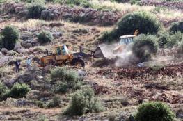 الاحتلال يجرف أراضي المواطنين شرق بيت لحم