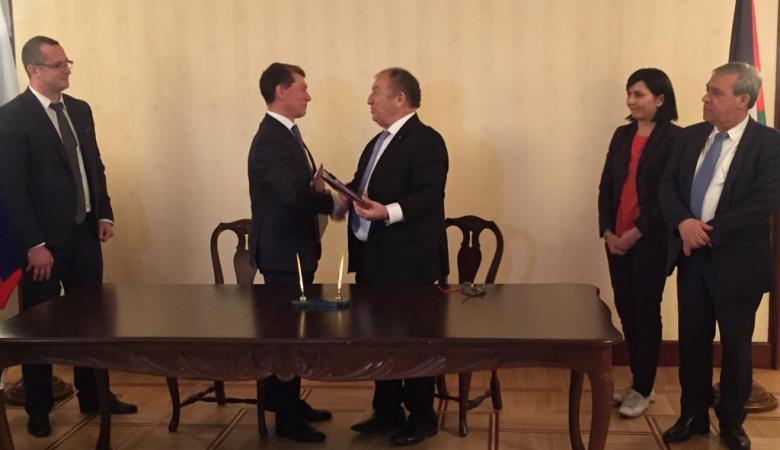 فلسطين وروسيا توقعان اتفاقية للتعاون الاقتصادي والتجاري