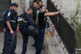880 اعتقلوا من بينهم نساء وأطفال الشهر الماضي