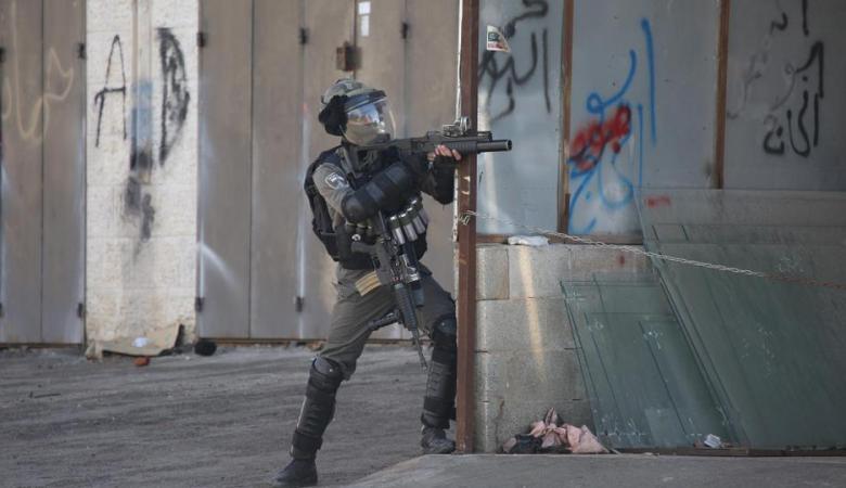 بالاسماء ..الاحتلال يعتقل 4 مواطنين من رام الله فجر اليوم