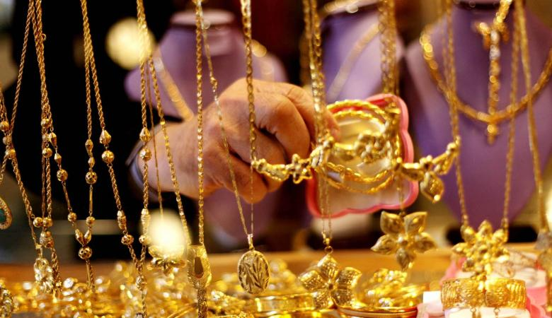 الذهب يرتفع في ظل تراجع الدولار
