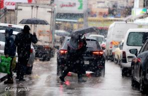 زخات ثلجة هطلت على مدينة رام الله